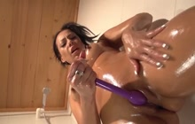 Squirting session with Lara Tinelli