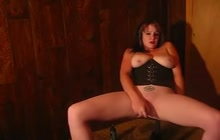 Busty goth girlfriend toys her smooth pussy